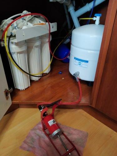 Проверка давления в накопительном баке фильтра